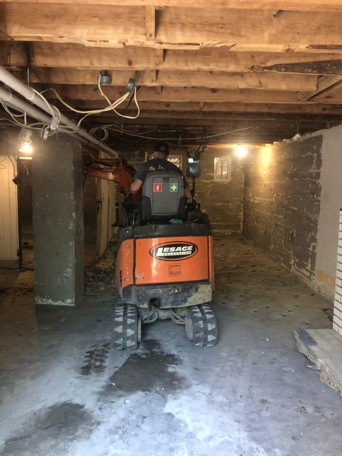 pelleteuse sous sol d'une maison