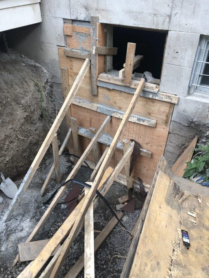 coffrage mur de fondation d'une maison