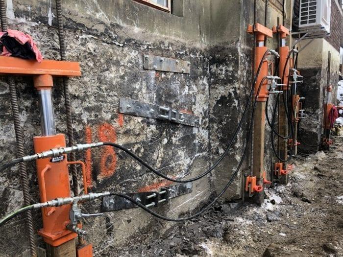 plaques de fondation lors d'une excavation